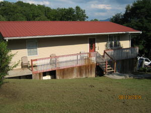 1556 Mayflower Ln, Dandridge, TN