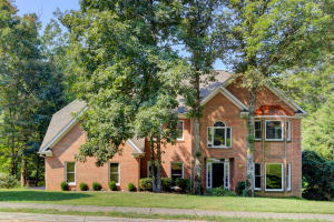 709 Hampton Roads Dr, Knoxville, TN