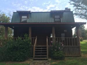 2438 Autumn Dr, Maryville, TN