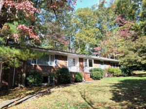 934 W Outer Dr, Oak Ridge, TN