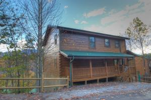 1763 Mountain Shadow Way, Gatlinburg, TN