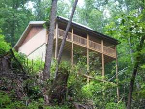 514 Laurel Mountain Rd, Gatlinburg, TN