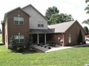 1335 White Oak Dr, Sevierville, TN