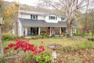 790 Ben Myers Ln, Gainesboro, TN