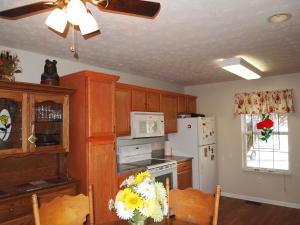 1528 Banyan Way, Knoxville TN 37914