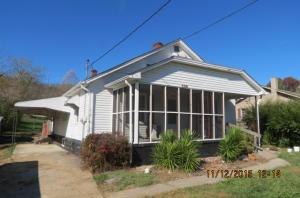 706 Reynolds Ave, Clinton, TN