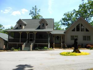 789 Spruce Creek Rd, Jamestown, TN