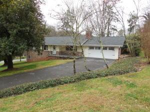 2523 Fox Chase Ln, Knoxville TN 37920