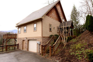 230 Stott Ln, Gatlinburg, TN