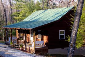 728 Deer Haven Tr, Jamestown, TN