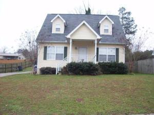 1496 SE Oak Tree Ln, Cleveland, TN