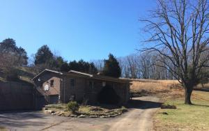 305 Laurel Hollow Rd, Clinton, TN