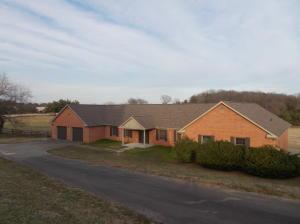 1174 Country Club Rd, Dandridge TN 37725