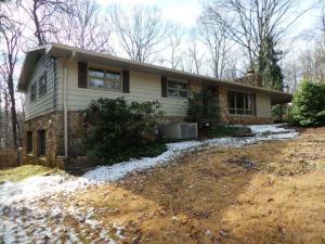 941 W Outer Dr, Oak Ridge, TN