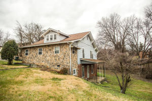 303 Midlake Dr, Knoxville, TN