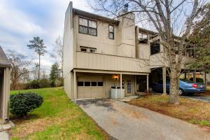 8703 Olde Colony Tr #APT 38, Knoxville TN 37923