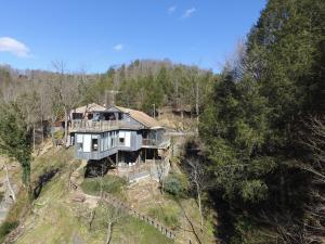 1567 Grant Rd, Sevierville, TN