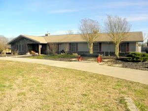 198 Pleasant Dr, Madisonville, TN
