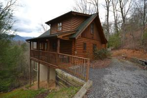 1020 Vista Dr, Gatlinburg, TN