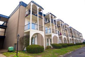 5709 Lyons View Pike #APT 2101, Knoxville TN 37919