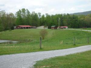1597 Camp Austin Rd, Oakdale, TN
