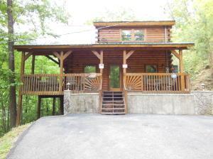 1119 Pine Mountain Rd, Sevierville TN 37862