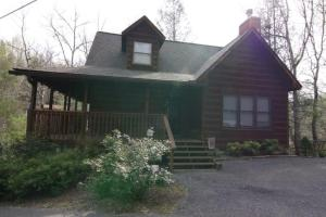 416 Silver Maple Ln, Gatlinburg, TN