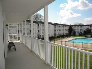 5709 Lyons View Pike #APT 1203, Knoxville TN 37919