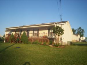 230 Clover Cir, Jacksboro TN 37757