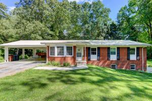108 E Irving Ln, Oak Ridge, TN