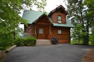 1724 Parkway View Ct, Sevierville, TN
