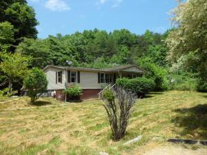 375 Whitaker Hollow Rd, Lake City TN
