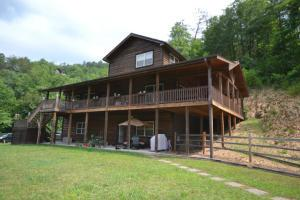 1157 Eagle Pointe Way, Pigeon Forge TN