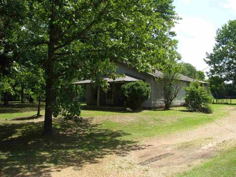 716 N Maple St, Adamsville, TN 38310