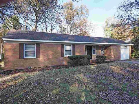Stupendous 1688 Rolling Hills Dr Memphis Tn 38127 Home Interior And Landscaping Ponolsignezvosmurscom