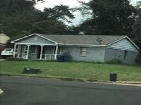 Pleasant 5344 Beaverton Dr Memphis Tn 38127 Home Interior And Landscaping Ponolsignezvosmurscom
