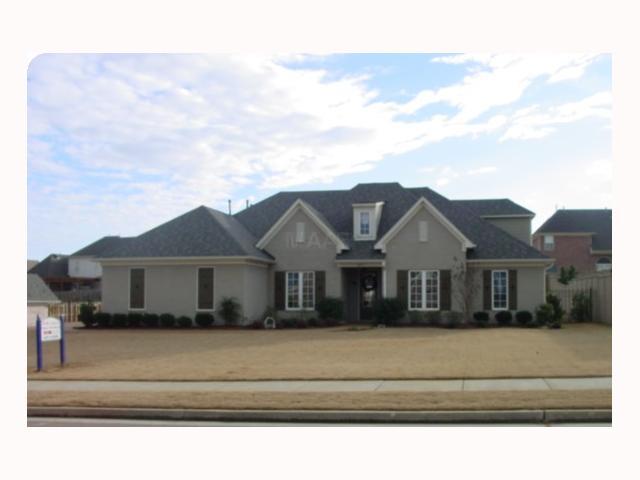 8877 Carriage Creek Rd, Arlington TN 38002