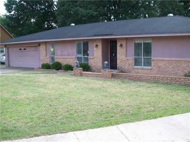 2028 Pennel Rd, Memphis, TN