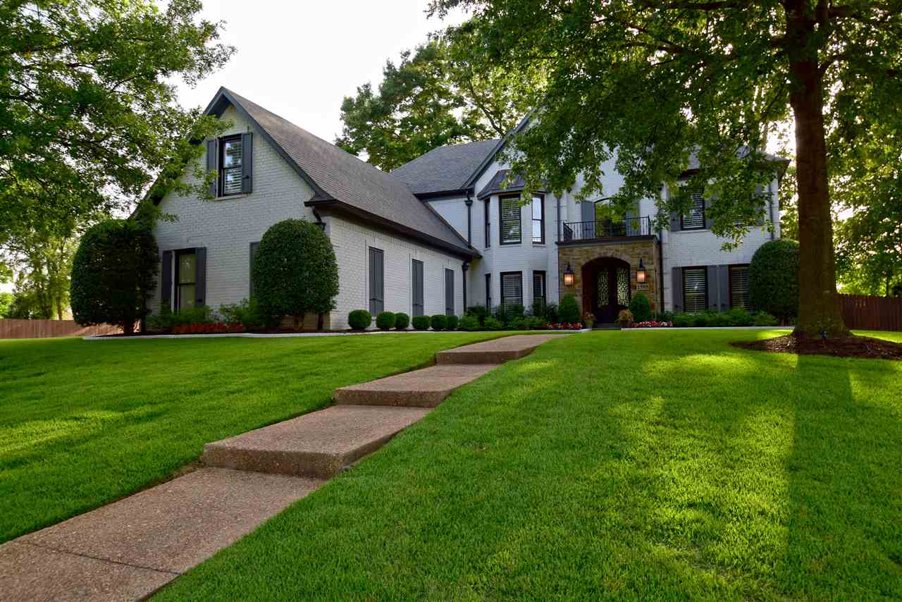 1595 Courtfield Ln, Collierville, TN