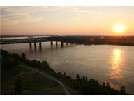 655 Riverside Dr #APT 906b, Memphis, TN