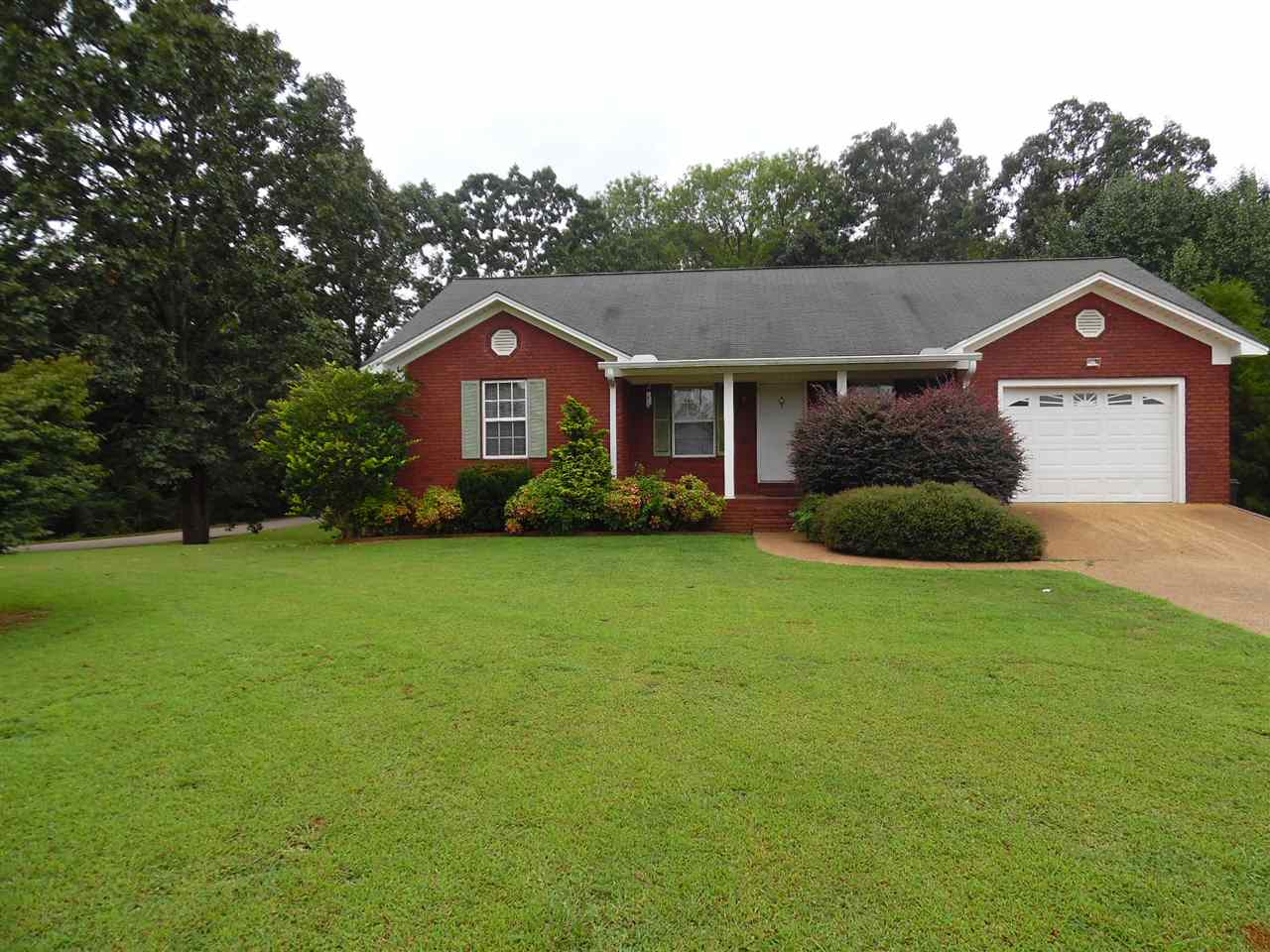 185 Farmington Rd, Savannah, TN