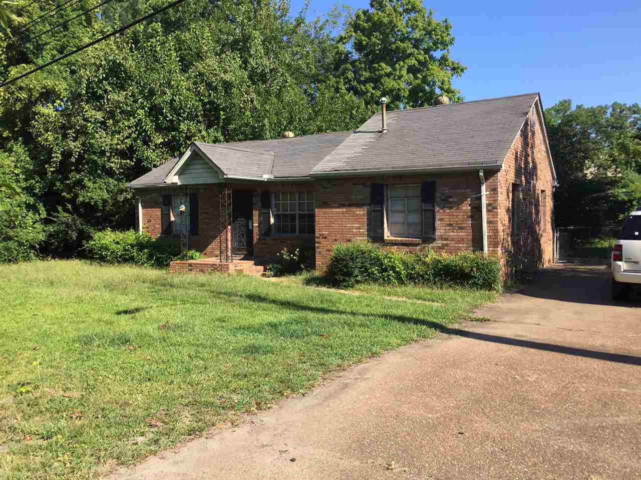 9224 Poplar Pike, Germantown, TN