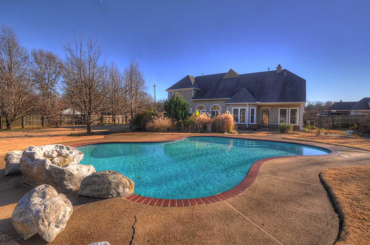 7110 Deerfield Rd, Memphis, TN