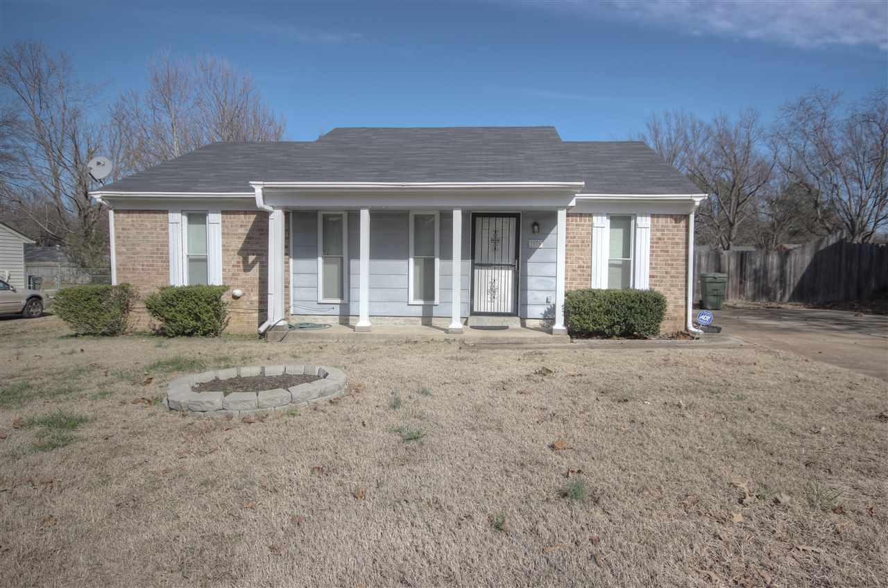 3976 Twin Lakes Dr, Memphis, TN