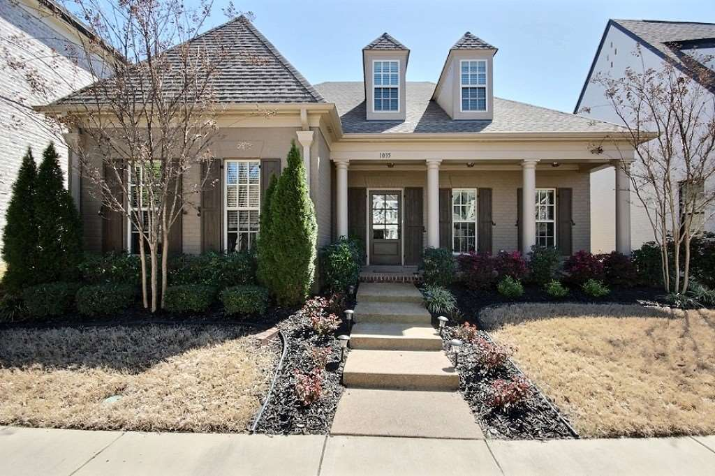 1035 Russell Farms Rd, Collierville, TN