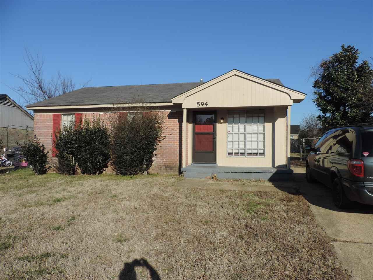594 Blackhawk Rd, Memphis, TN