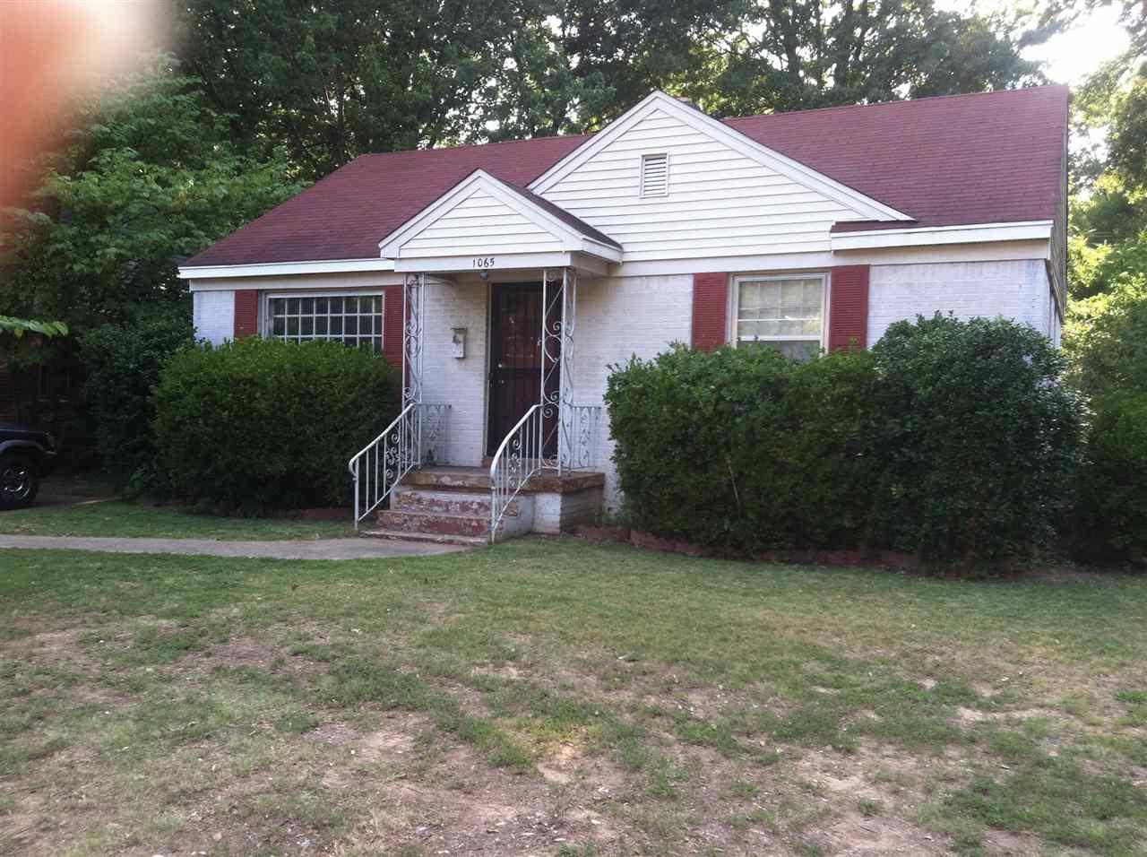 1065 Robin Hood Ln, Memphis, TN