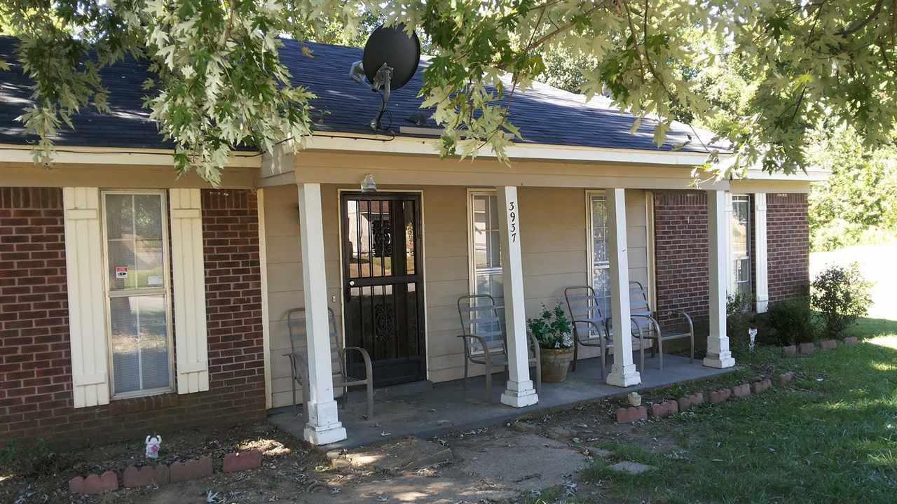 3937 Twin Lakes Dr, Memphis, TN
