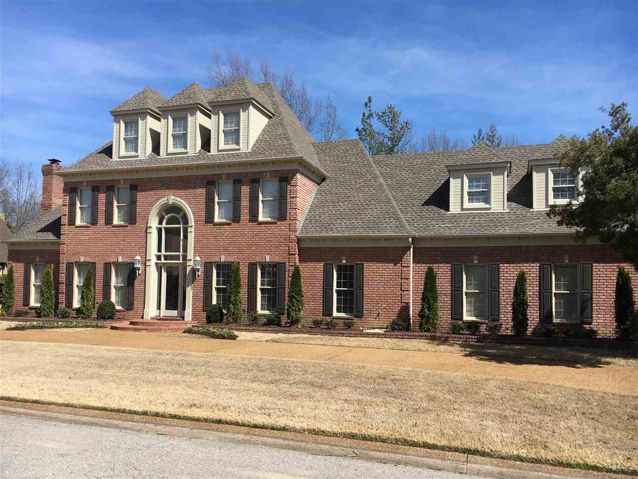 3444 Classic Dr, Memphis, TN