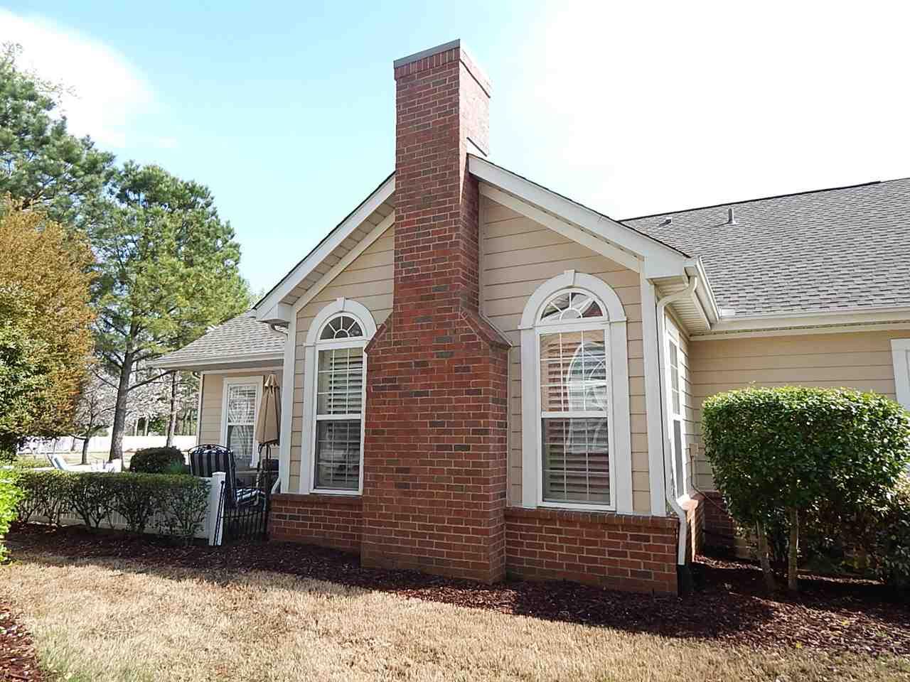 281 Oak Club Ln #APT 17, Collierville, TN